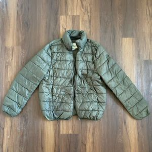 Olive green gray puffer jacket coat with pockets
